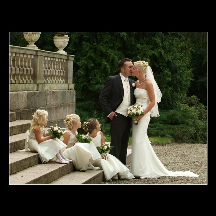 Brudepar med brudebørn
