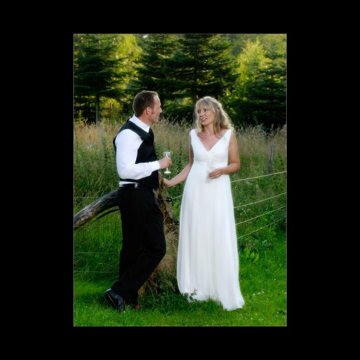 Brudepar på privat grund ved Esrum Sø