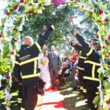 Bryllup i haven med bryllupsreportage